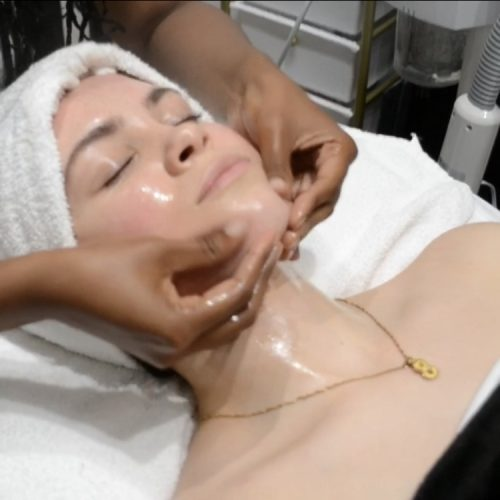 Uplifting Facial Treatment The L.A. Glow