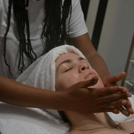 What Are Facial Extractions And What Should You Expect